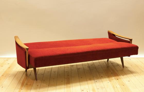 El recibidor fine vintage joysusanna - Sofa cama rojo ...