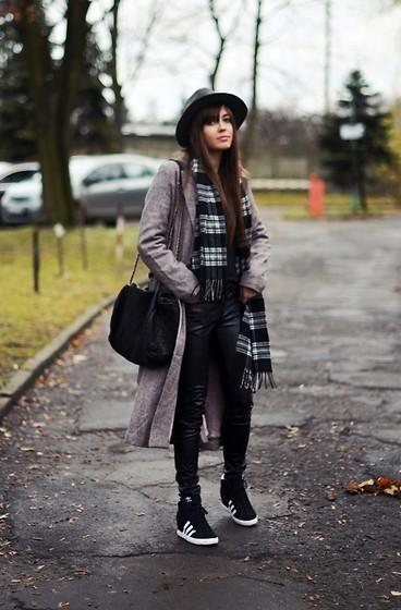 wear - tartan:fedora